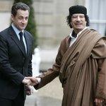 Nicolas Sarkozy spolu s Muammarem Kaddáfím
