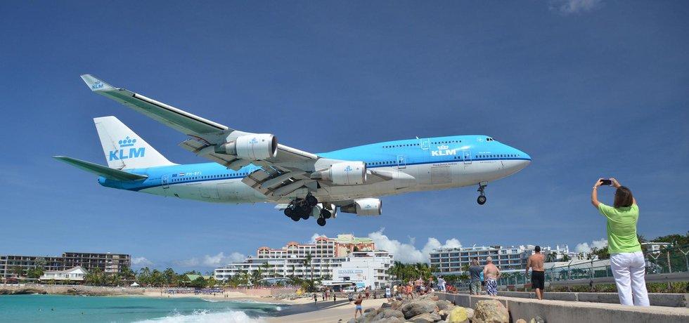 Boeing 747 KLM nad Maho Beach. Foto: alljengi, CC 2.0