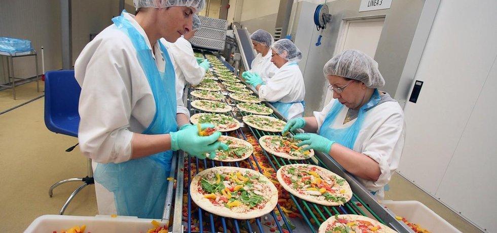 Výroba zmrazené pizzy, ilustrační foto