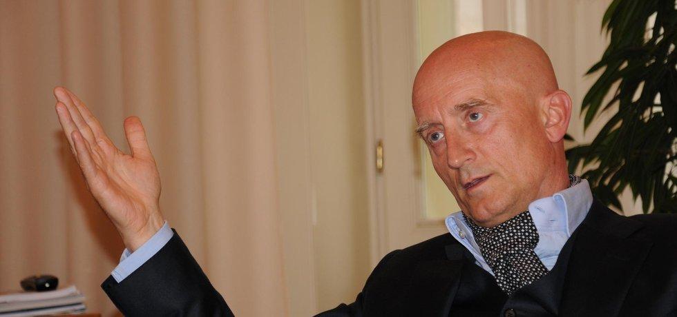Senátor Ivo Valenta, majitel skupiny herního průmyslu Synot a spoluvlastník firmy provozující portál Parlamentní listy
