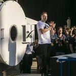 Vynálezce systému hyperloop Elon Musk ocenil vítězný tým. Podle něj se ale na 1,2 kilometru dlouhé dráze dá vyvinout rychlost přesahující 500 km/h