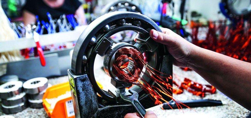 Výroba elektromotorů ve firmě Sopo