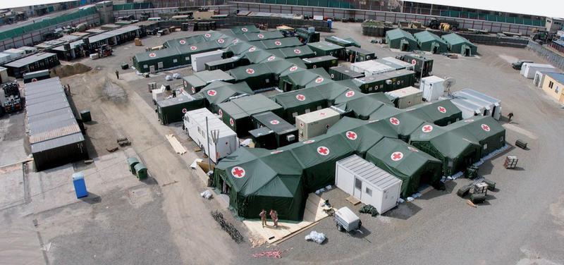 Polní nemocnici na základně KAIA South (Afghánistán) v roce 2007