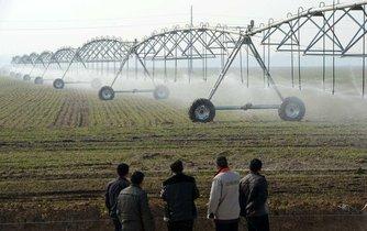 Hnojení zemědělské půdy v Číně