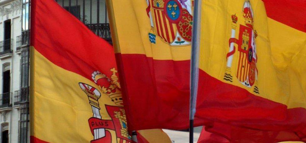 Španělské vlajky v Madridu