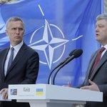 Generální tajemník NATO Jens Stoltenberg a ukrajinský prezident Petro Porošenko