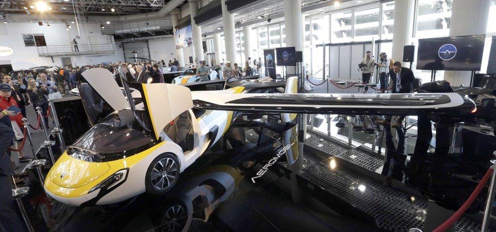 Nový model létajícího auta slovenské firmy AeroMobil má dolet 750 kilometrů