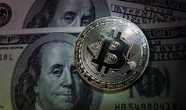 Bitcoin versus dolar, ilustrační foto