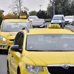 Taxikáři blokují letiště kvůli Uberu