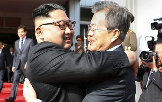Kim Čong-un a Mun Če-in