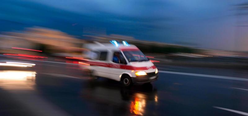 *sanitka, záchranka, záchranná služba, záchranáři