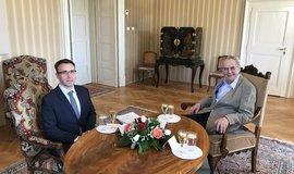 Kandidát na ministra dopravy Vladimír Kremlík (vlevo) na schůzce s prezidentem Milošem Zemanem