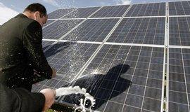 Komentář: Vládní úder na solar