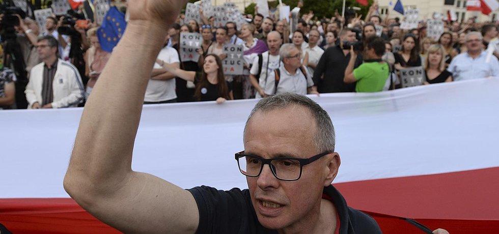 Protesty proti justiční reformě ve Varšavě