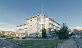 Realitní holding Českomoravská Nemovitostní (ČMN) koupil v Praze od skupiny Immofinnanz nemovitost, v níž sídlí společnost Volkswagen Financial Services (bývalý ŠkoFIN).