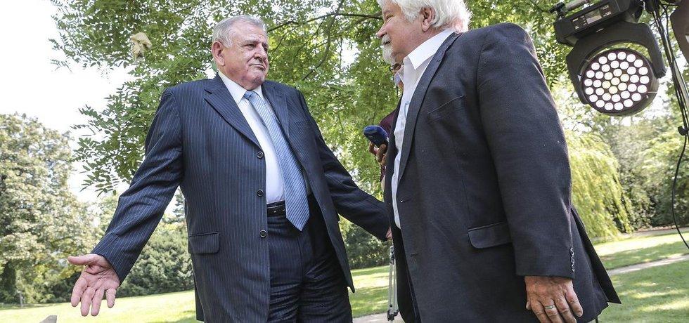 Vladimír Mečiar a Petr Pithart. Oba stáli u rozdělení federace.