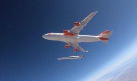 Vypuštění rakety LauncherOne z doravního Boeingu 747