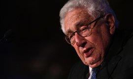 Obchodní válka Číny s USA může přerůst v ozbrojený konflikt, varuje Kissinger