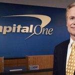 Richard Fairbank (Capital One) – Spoluzakladatel a šéf banky Capital One nedostal za posledních dvaadvacet let na platu a bonusech ani dolar. Vydělává striktně jen na výnosech z akcií.