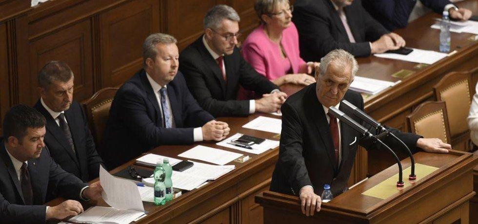 Prezident Miloš Zeman podpořil v Poslanecké sněmovně vládu