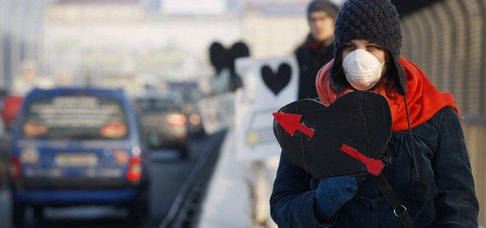 Protest proti dopravě na Nuselském mostě v Praze v roce 2012.