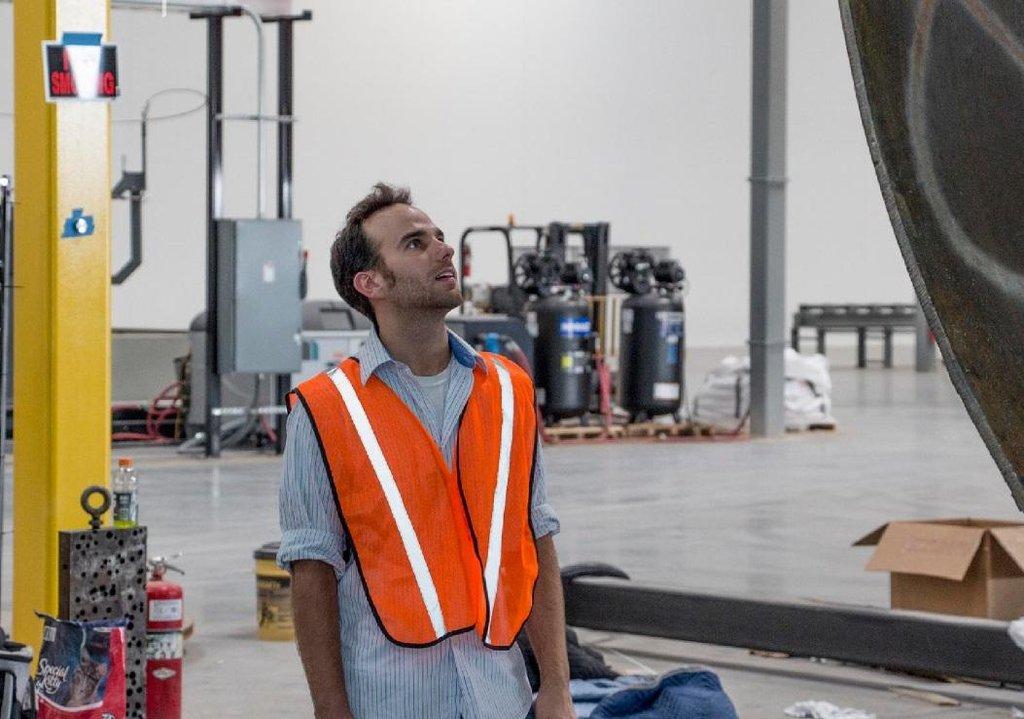 Šéf výroby a jeden ze zakladatelů firmy Hyperloop One Josh Giegel.