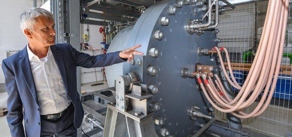 Elektrolyzér na výrobu vodíku, ilustrační foto