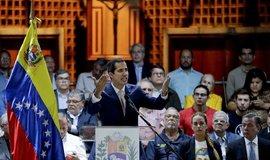 Opoziční lídr Juan Guaidó