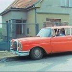 Postarší Mercedes-Benz pronikl i do několika dílů televizního seriálu o kravíně Druhý dech, který v roce 1989 natočil Hynek Bočan
