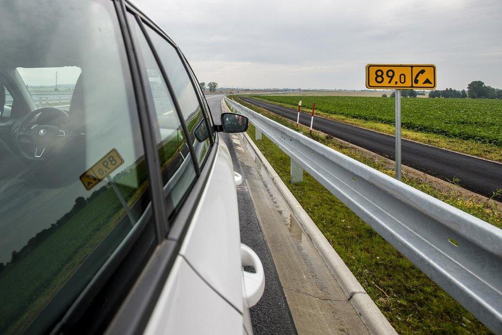 Z Prahy až do Hradce Králové. Na novém úseku D11 začíná ostrý provoz