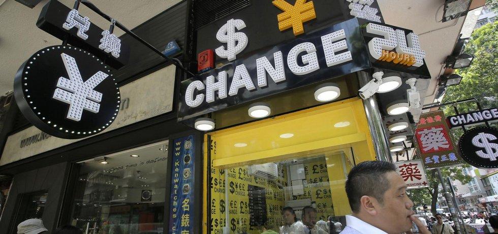 Čína devalvovala jüan