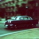 Mercedesku vlastní i šéf baru White Lines a současně vedoucí tajné centrály CIA v Západním Berlíně v další z epizod seriálu Major Zeman nazvané Bílé linky (hraje ho Jiří Holý)