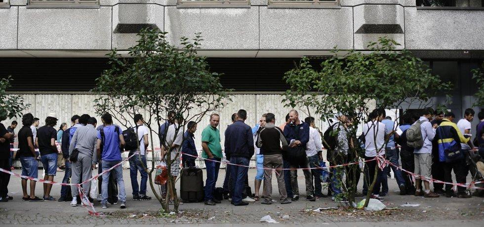 Migranti čekají v Berlíně na šanci požádat o azyl