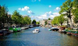 Amsterdam je město vodních kanálů