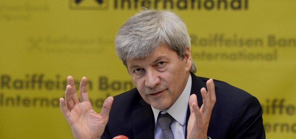 Šéf Raiffeisen Bank International Johann Strobl