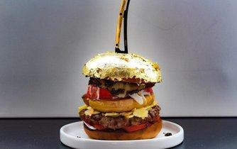 Burger jako jídlo bohatých