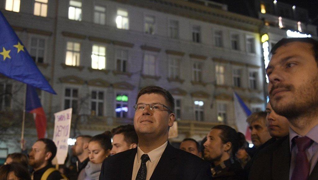 Předseda TOP 09 Jiří Pospíšil na demonstraci proti Andreji Babišovi na Václavském náměstí v Praze