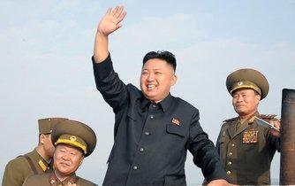 Kim Čong-un se z úspěšných testů umí nelíčeně radovat