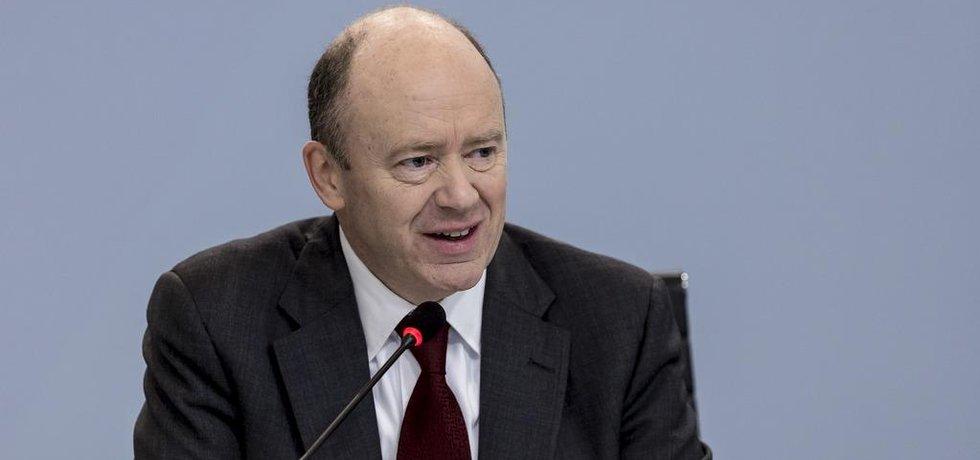Šéf Deutsche Bank John Cryan
