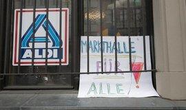 Svět naruby: levičáci z Berlína bojují za zrušený supermarket Aldi