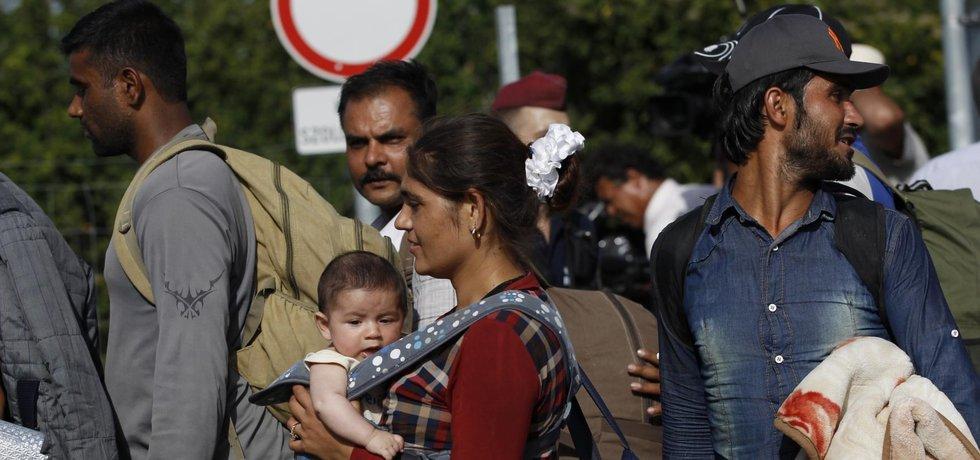 Uprchlíci na hraničním přechodu Beremend mezi Chorvatskem a Maďarskem