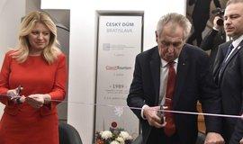 Zeman a Čaputová otevřeli v Bratislavě Český dům