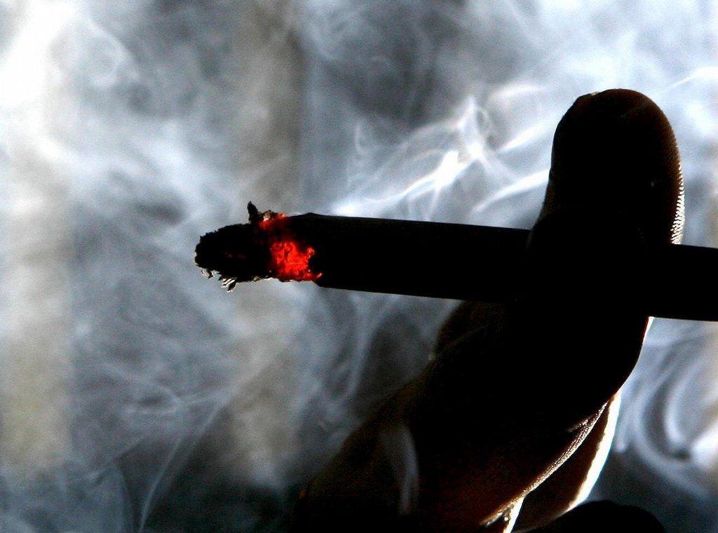 kouření flash hry zdarma horké lesbické kočička