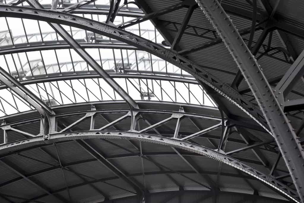 Rekonstrukce haly hlavního nádraží se SŽDC prodražila. Účet je o 127 milionů vyšší