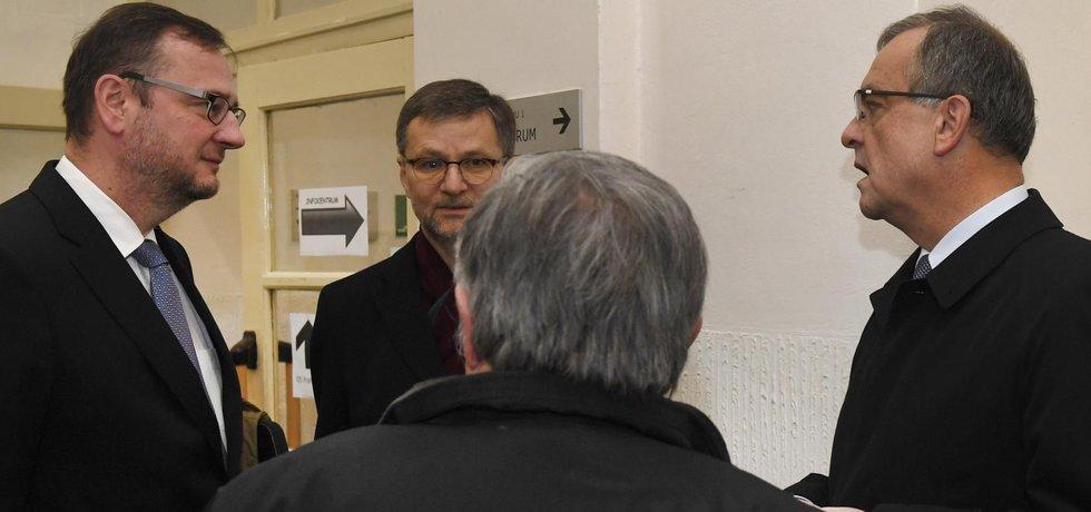 Bývalý ministr financí Miroslav Kalousek má v případu postavení svědka