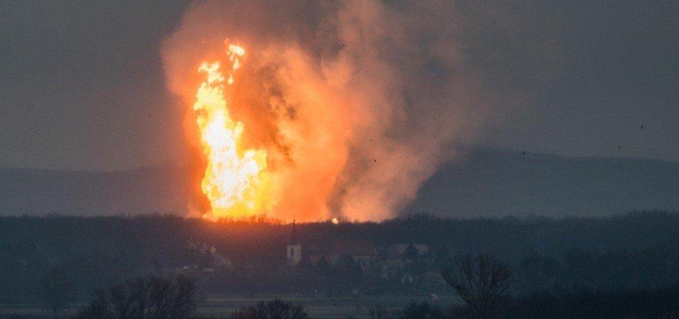 Na východě Rakouska, poblíž hranic se Slovenskem, explodoval plynový terminál. Příčina exploze byla podle policie technického rázu.