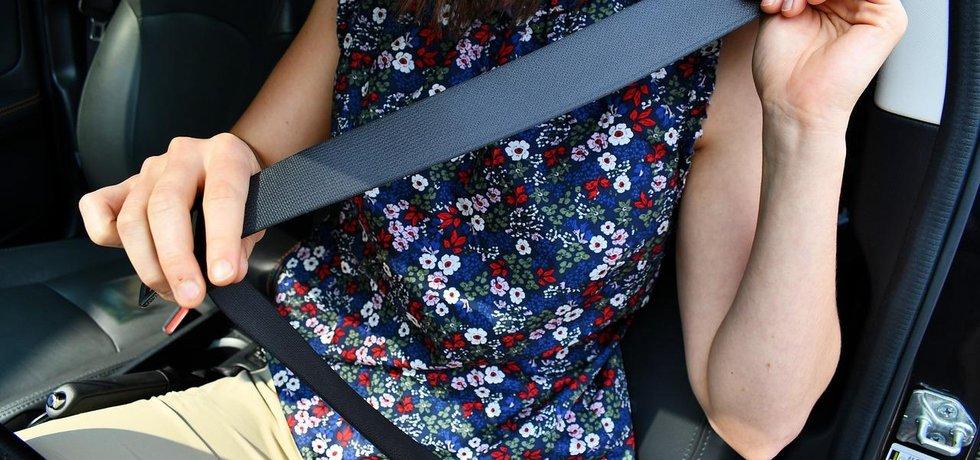 bezpečnostní pás, ilustrační foto