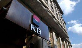 Čistý zisk bank stoupl o 130 milionů na 18,3 miliardy korun