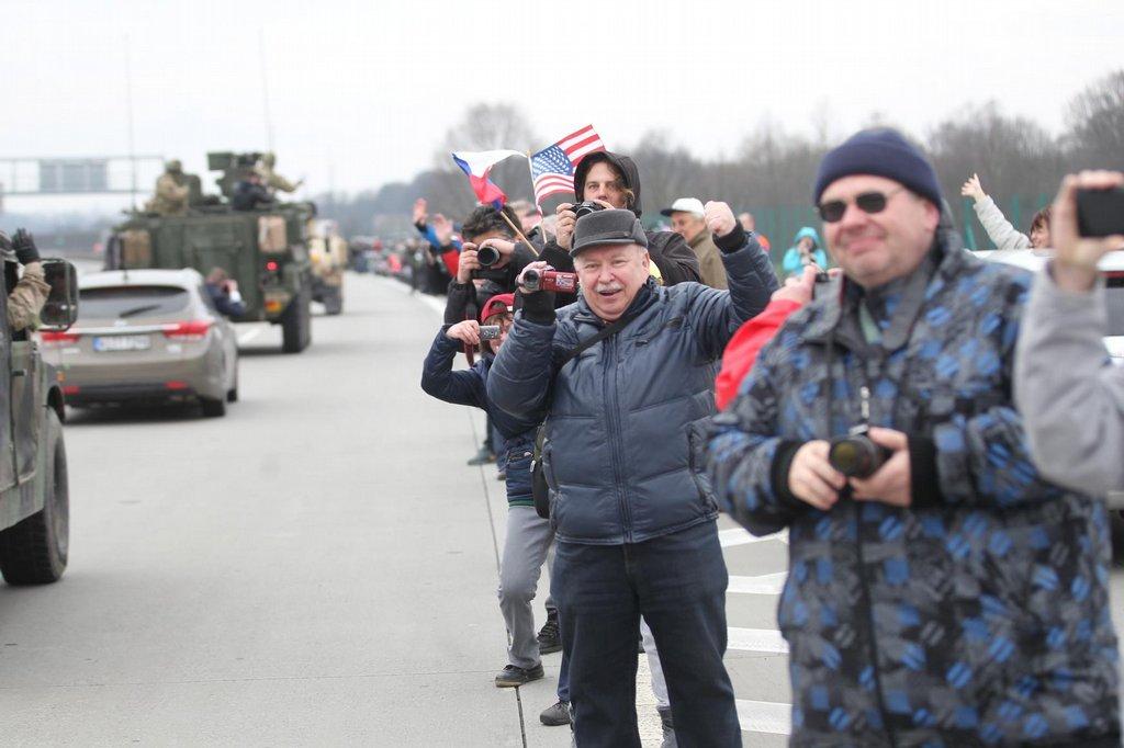 Do Česka vjel 29. března americký konvoj na cestě z cvičení v Pobaltí na základnu v bavorském Vilsecku.