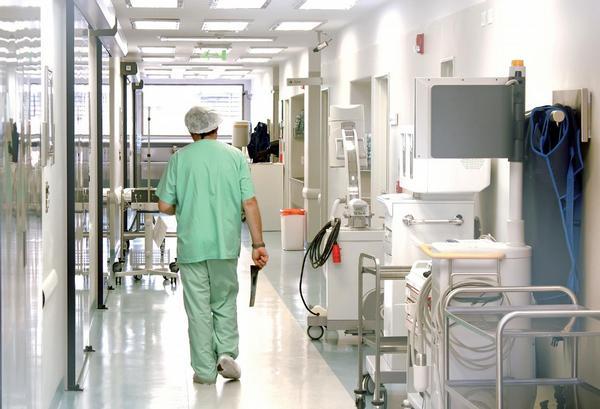 lékaři, nemocnice